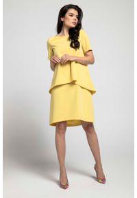Nommo - Żółta Trapezowa Sukienka z Asymetryczną Nakładką. Kolor: żółty. Materiał: wiskoza, poliester. Typ sukienki: asymetryczne, trapezowe