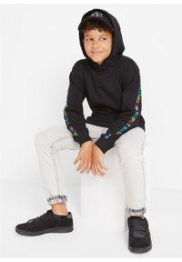 Bluza chłopięca z kapturem bonprix czarny. Typ kołnierza: kaptur. Kolor: czarny