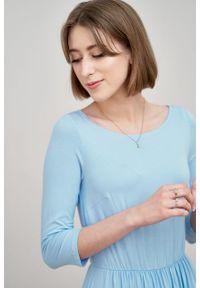 Marie Zélie - Sukienka Emelina błękitna. Kolor: niebieski. Materiał: wiskoza, dzianina, materiał, elastan, tkanina, guma. Styl: klasyczny. Długość: midi