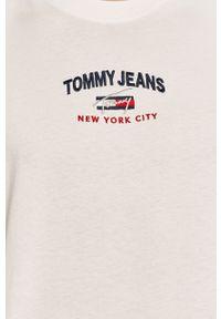 Biały t-shirt Tommy Jeans z aplikacjami, na co dzień