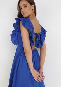 Born2be - Granatowa Sukienka Raiphei. Okazja: na wesele, na ślub cywilny. Typ kołnierza: dekolt kwadratowy. Kolor: niebieski. Materiał: bawełna, tkanina, elastan. Długość rękawa: na ramiączkach