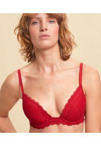 Cherie Cherie Biustonosz Nr2 - Push Up Z Głębokim Dekoltem - 80C - Czerwony - Etam. Kolor: czerwony. Materiał: włókno, poliamid, koronka. Rodzaj stanika: push-up. Wzór: koronka