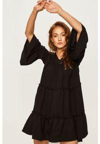 Czarna sukienka Answear Lab na co dzień, oversize