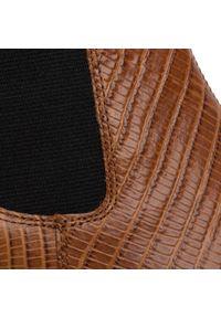 vagabond - Botki VAGABOND - Lara 4913-108-27 Cognac. Kolor: brązowy. Materiał: skóra. Szerokość cholewki: normalna. Obcas: na obcasie. Wysokość obcasa: średni