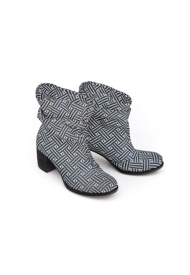 Szare botki Zapato wąskie, z cholewką