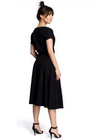 BE - Rozkloszowana sukienka MIDI z paskiem w talii. Materiał: elastan, bawełna. Typ sukienki: rozkloszowane. Długość: midi