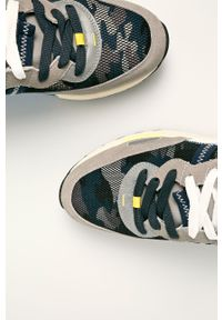 Szare sneakersy Wrangler z okrągłym noskiem, z cholewką, na sznurówki