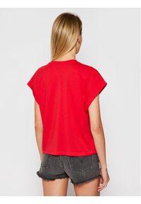 Emporio Armani T-Shirt EMPORIO ARMANI 262633 1P340 33874 Czerwony Regular Fit. Kolor: czerwony