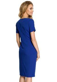 MOE - Elegancka sukienka z podkreśloną talią i marszczeniami. Materiał: poliester, wiskoza, materiał, elastan. Długość rękawa: krótki rękaw. Styl: elegancki
