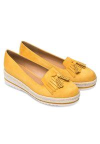 DANIC - Mokasyny damskie Danic L7210 Żółte. Zapięcie: bez zapięcia. Kolor: żółty. Materiał: tworzywo sztuczne. Obcas: na koturnie. Styl: elegancki. Wysokość obcasa: średni