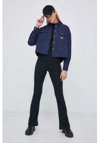 Tommy Jeans - Koszula bawełniana. Kolor: niebieski. Materiał: bawełna. Długość rękawa: długi rękaw. Długość: długie. Wzór: gładki