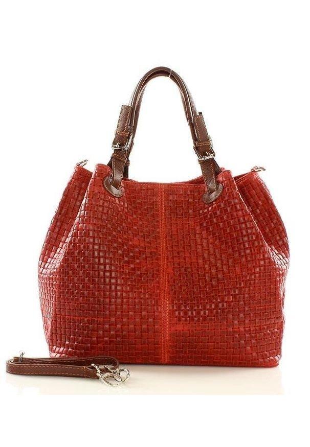 GENUINE LEATHER - Czerwona Włoska Torebka Typu Shopper - Carina Treccia. Kolor: czerwony