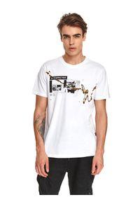 TOP SECRET - T-shirt z nadrukiem. Okazja: na co dzień. Kolor: biały. Materiał: bawełna, tkanina. Długość rękawa: krótki rękaw. Długość: krótkie. Wzór: nadruk. Sezon: jesień. Styl: casual