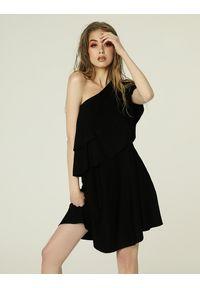 Czarna sukienka mini asymetryczna, na lato