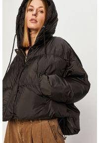 Czarna kurtka Answear Lab gładkie, wakacyjna, z kapturem, na co dzień