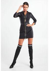 Elisabetta Franchi - SUKIENKA ELISABETTA FRANCHI. Typ kołnierza: kołnierzyk stójkowy. Typ sukienki: dopasowane. Długość: mini