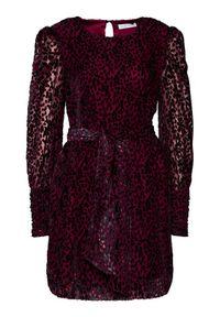 Czerwona sukienka koktajlowa Silvian Heach wizytowa