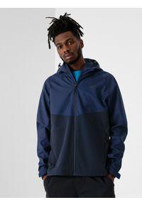 Niebieska kurtka softshell 4f z kapturem, raglanowy rękaw