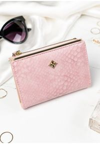 Różowy portfel MILANO DESIGN w kolorowe wzory