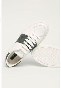 Guess - Buty. Nosek buta: okrągły. Zapięcie: sznurówki. Kolor: biały. Materiał: guma