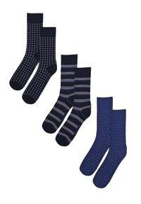 Niebieskie skarpetki TOP SECRET w kolorowe wzory