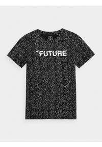 4f - T-shirt chłopięcy (122-164). Kolor: czarny. Materiał: bawełna. Wzór: nadruk