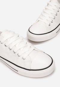 Born2be - Białe Trampki Nemekharei. Kolor: biały