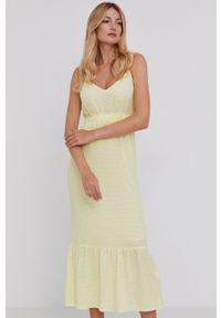 Answear Lab - Sukienka. Okazja: na co dzień. Kolor: żółty. Długość rękawa: na ramiączkach. Typ sukienki: proste. Styl: wakacyjny