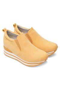 Żółte buty sportowe FOREVERFOLIE bez zapięcia, w kolorowe wzory