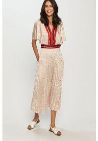 Liu Jo - Sukienka. Kolor: beżowy. Długość rękawa: krótki rękaw. Typ sukienki: plisowane