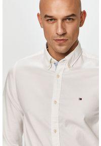 TOMMY HILFIGER - Tommy Hilfiger - Koszula. Typ kołnierza: button down. Kolor: biały. Materiał: tkanina