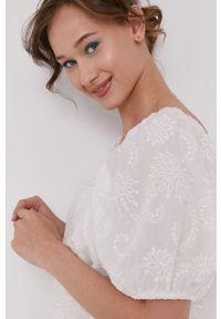 Biała sukienka medicine prosta, casualowa, na co dzień