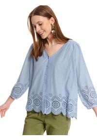 TOP SECRET - Luźna koszula damska z ażurowym wykończeniem. Okazja: na co dzień. Kolor: niebieski. Materiał: bawełna. Wzór: ażurowy. Sezon: lato. Styl: casual