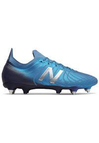 Buty do piłki nożnej New Balance z paskami, w paski