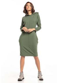 Zielona sukienka dzianinowa Tessita z kapturem