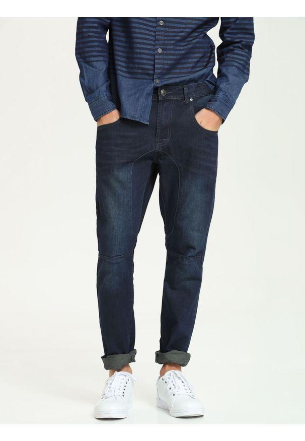 Niebieskie spodnie TOP SECRET na co dzień, w kolorowe wzory
