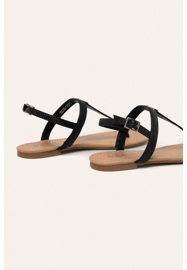 Czarne sandały Call It Spring na klamry