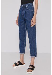 Calvin Klein Jeans - Jeansy Baggy. Kolor: niebieski