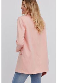 Answear Lab - Marynarka. Okazja: na co dzień. Kolor: różowy. Materiał: tkanina. Wzór: gładki. Styl: wakacyjny