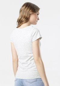 Born2be - Jasnoszary T-shirt Oranore. Kolor: szary