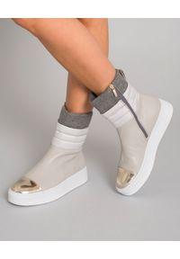 CESARE PACIOTTI - Beżowe botki. Nosek buta: okrągły. Zapięcie: zamek. Kolor: szary. Materiał: jeans. Szerokość cholewki: normalna. Obcas: na koturnie
