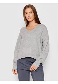 Vero Moda Sweter Doffy 10252090 Szary Loose FIt. Kolor: szary