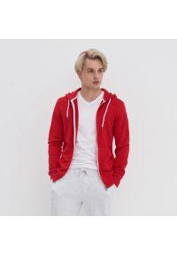 House - Rozpinana bluza z kapturem - Czerwony. Typ kołnierza: kaptur. Kolor: czerwony