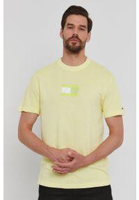 Tommy Jeans - T-shirt. Okazja: na co dzień. Kolor: zielony. Materiał: bawełna. Wzór: nadruk. Styl: casual