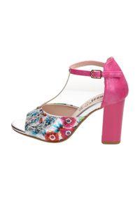 Różowe sandały Jezzi na słupku, na średnim obcasie