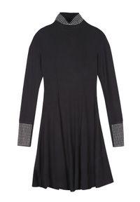 Czarna sukienka TROLL z golfem, na jesień