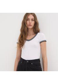 Biały t-shirt Sinsay z krótkim rękawem, krótki