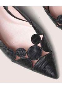 PRETTY BALLERINAS - Czarne sandały Ella. Okazja: do pracy. Kolor: czarny. Wzór: ażurowy, geometria. Styl: klasyczny