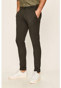 Tailored & Originals - Spodnie. Okazja: na co dzień. Kolor: szary. Materiał: dzianina. Styl: casual