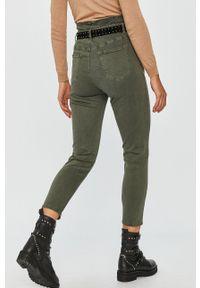 Zielone jeansy Answear Lab z podwyższonym stanem, wakacyjne
